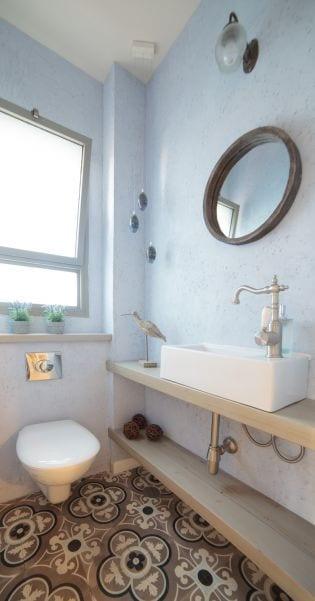 שירותים מעוצבים , עיצוב שרי בר-נע גבעון light-design