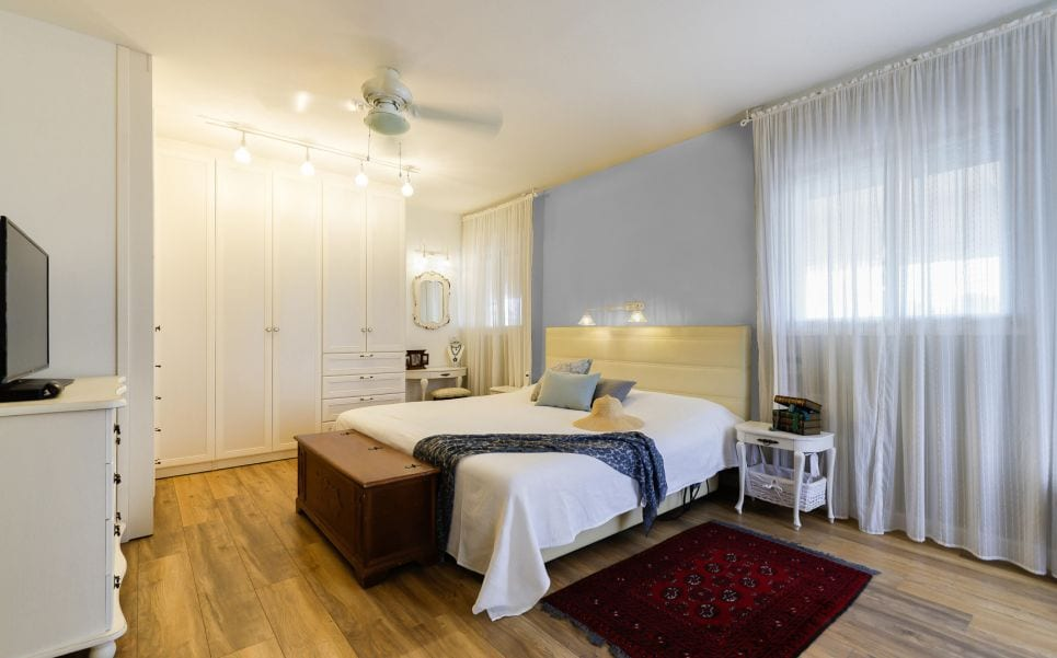חדר שינה מעוצב , עיצוב שרי בר-נע גבעון light-design