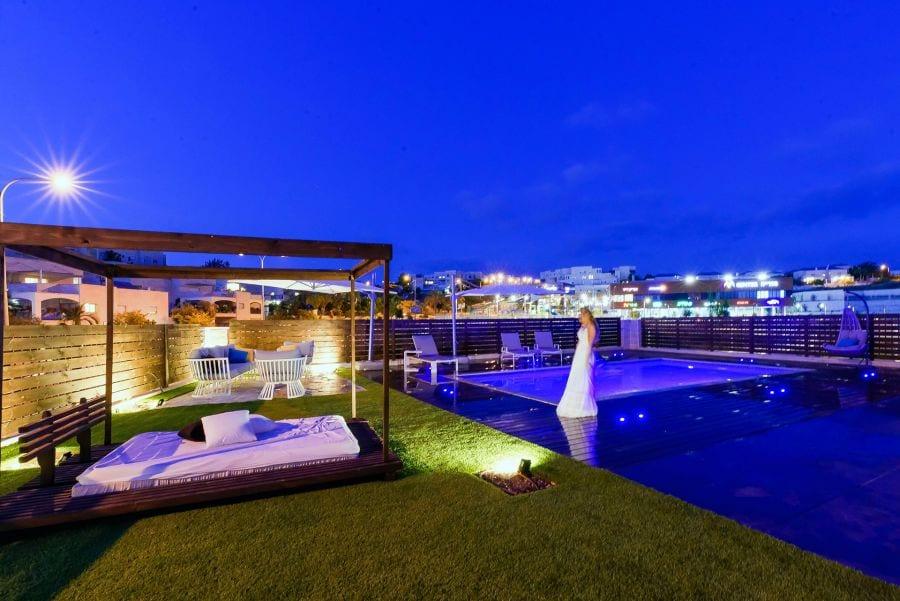 דירת גן עם בריכה במודיעין שרי בר-נע גבעון light-design