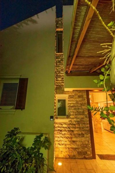 מבואת כניסה בית ברעות שרי בר-נע גבעון light-design
