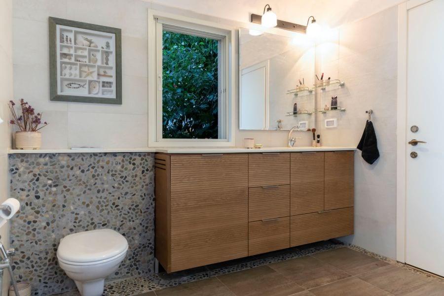 חדר רחצה בית ברעות שרי בר-נע גבעון light-design