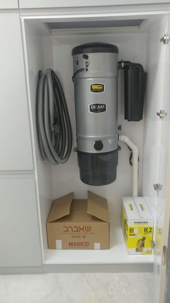 אחסון בתוך הבית של מנוע שאברב בארון מטבח או ארון כביסה