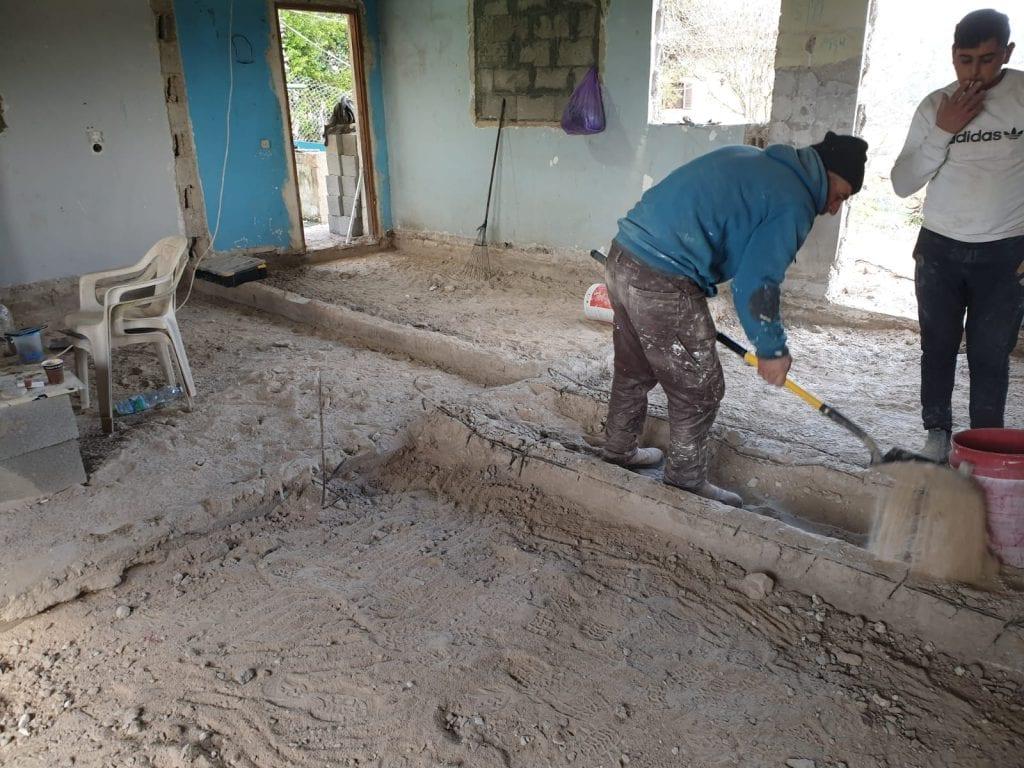 חגורת בטון כתשתית לקירות גבס