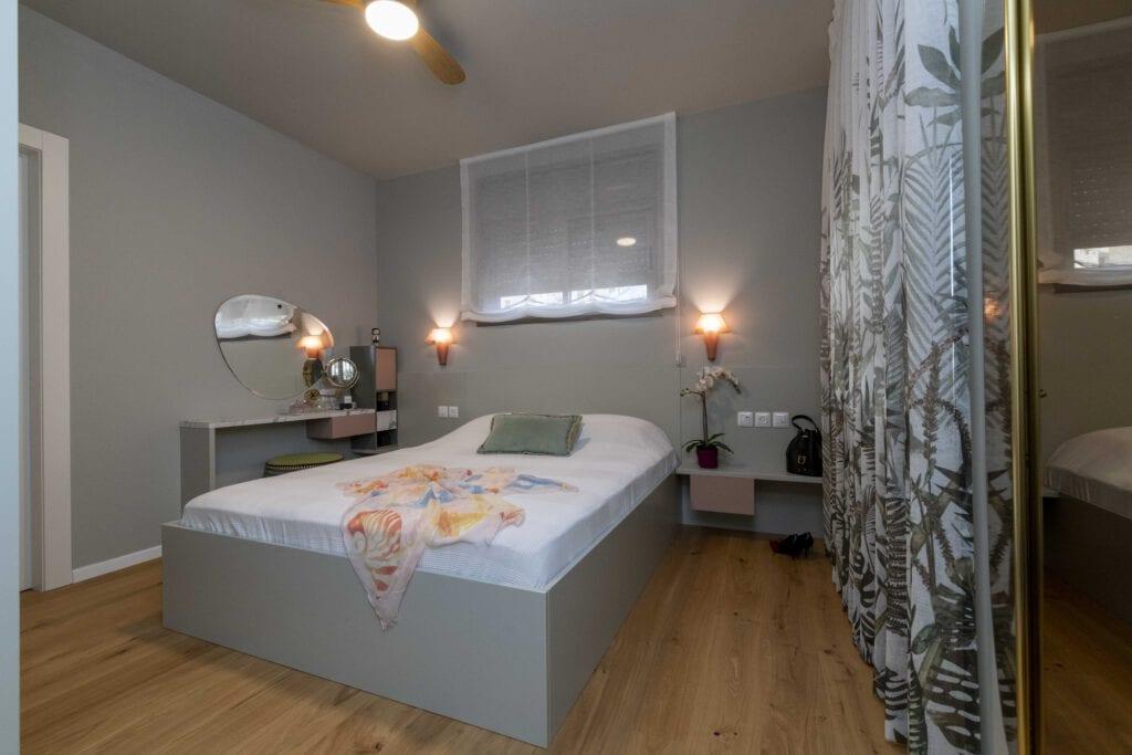 חדר שינה בירוק מרווה וורוד
